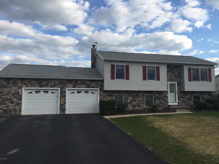 118 MEADOW GREEN DR, Mifflinburg, PA 17844