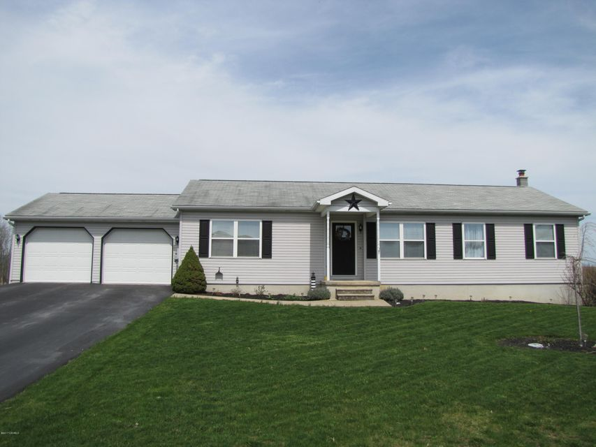 131 MEADOW GREEN DR, Mifflinburg, PA 17844