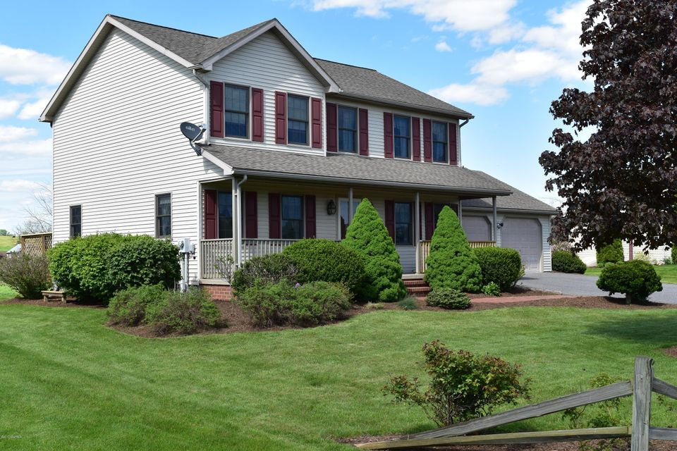 135 MEADOW GREEN DR, Mifflinburg, PA 17844