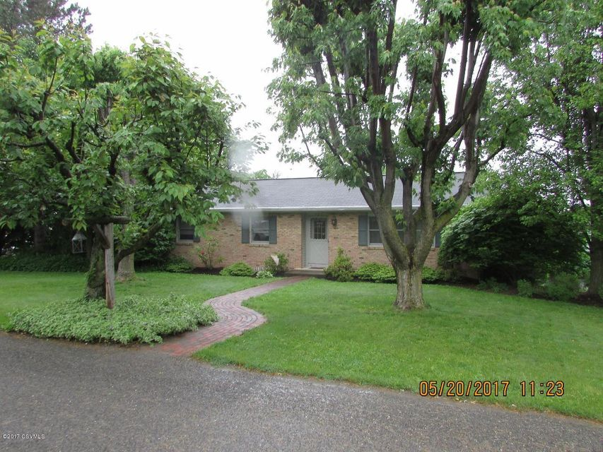 802 CRESTVIEW RD, Mifflinburg, PA 17844