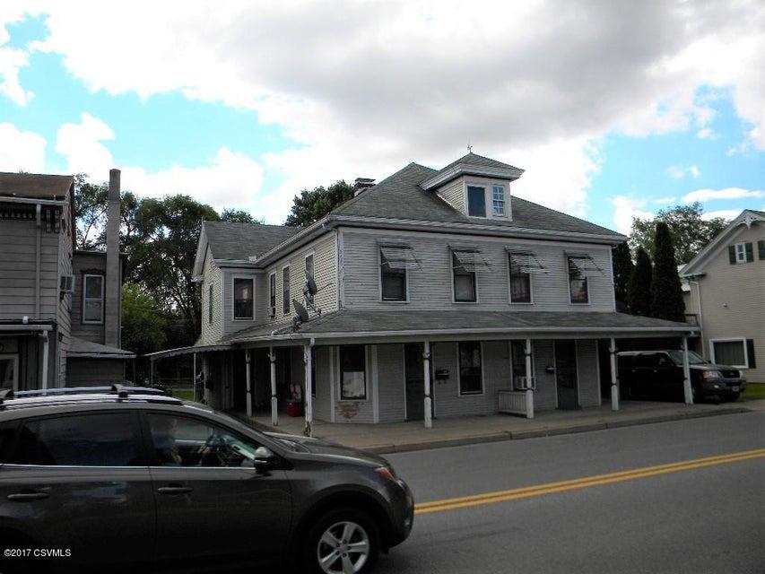 317 N MARKET ST, Selinsgrove, PA 17870