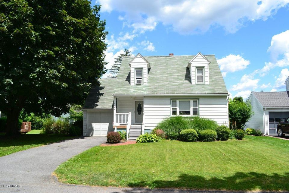 1044 WASHINGTON AVE, Lewisburg, PA 17837