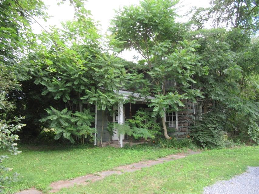 196 D & H AVE, Danville, PA 17821