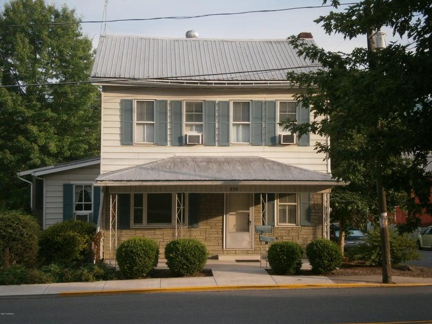 239 W MARKET ST, Middleburg, PA 17842