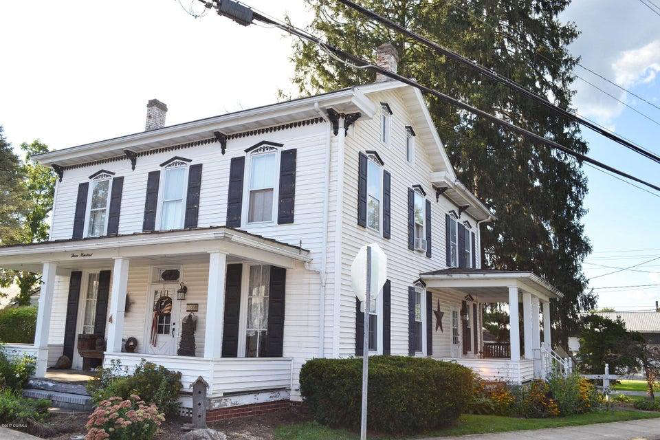 300 WALNUT ST, Mifflinburg, PA 17844