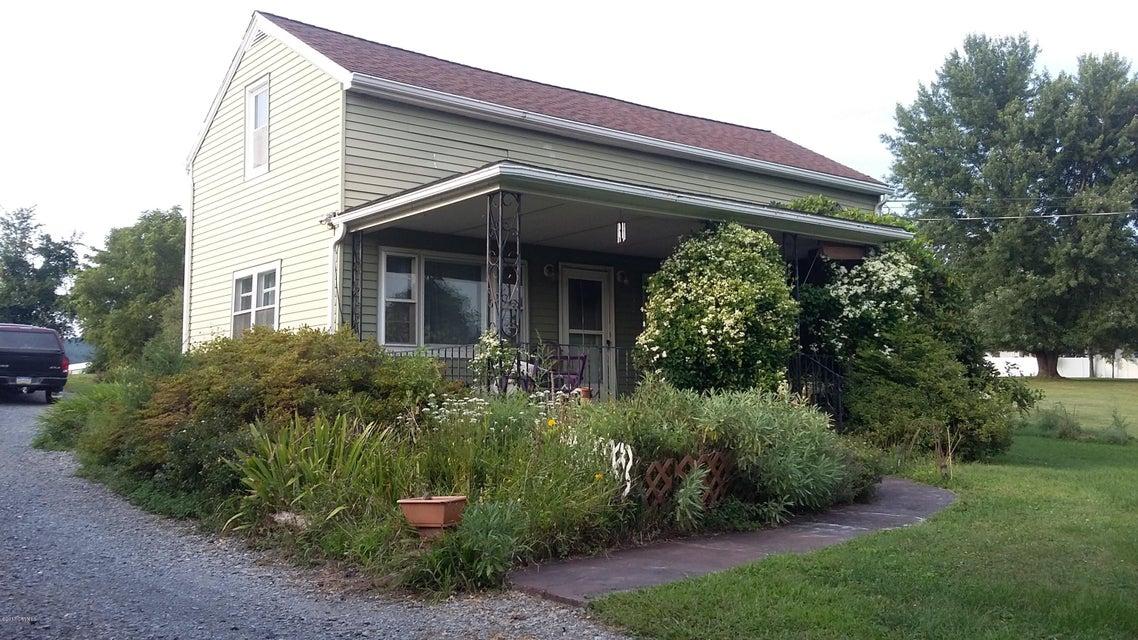 906 SUNBURY, Danville, PA 17821