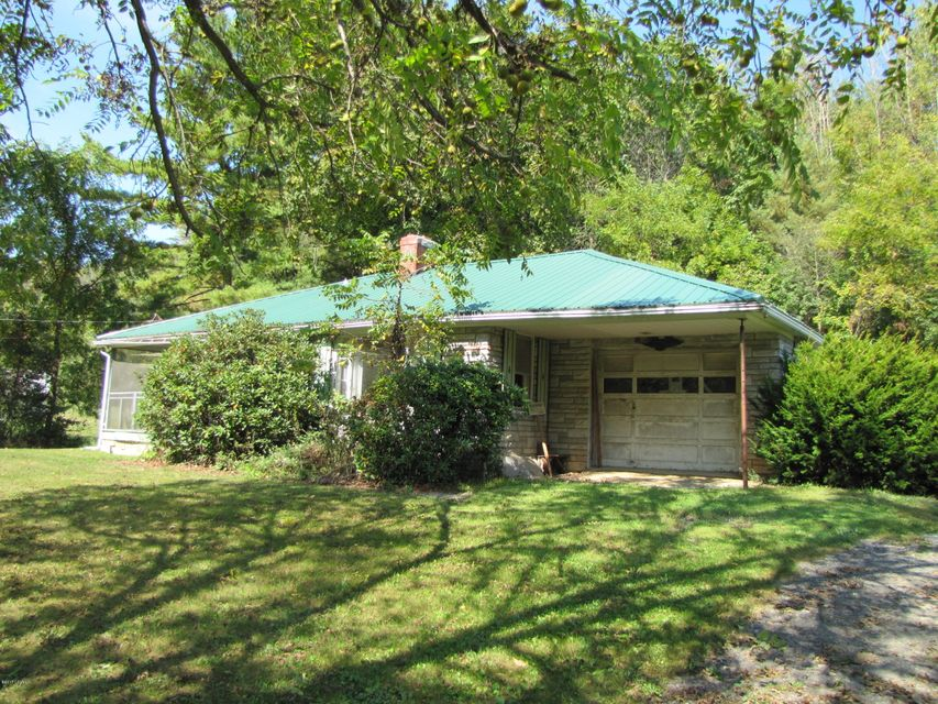 1680 MOORES SCHOOL RD, Lewisburg, PA 17837