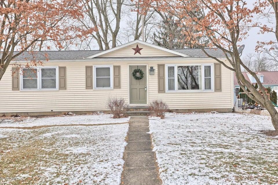 403 N 3RD ST, Mifflinburg, PA 17844