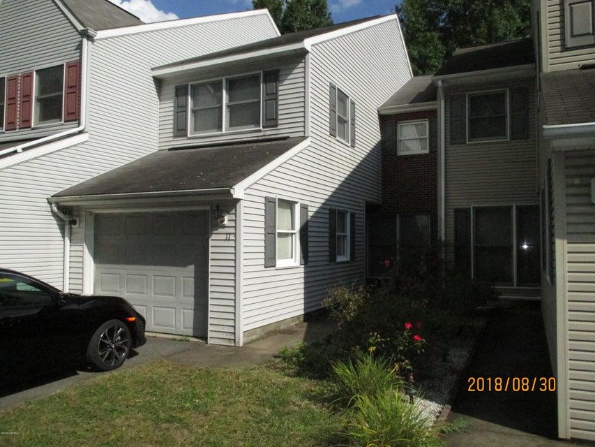 11 BANYAN Street, Selinsgrove, PA 17870