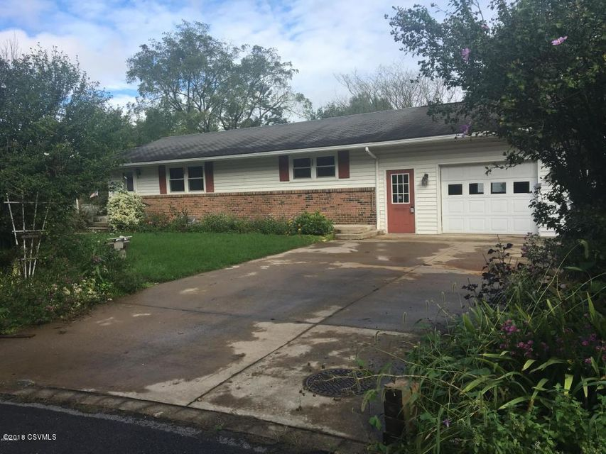 31 WOODSIDE Drive, Milton, PA 17847