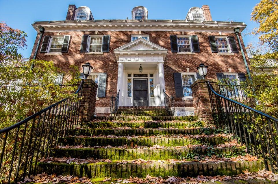 1608 JAMES Road, Williamsport, PA 17701
