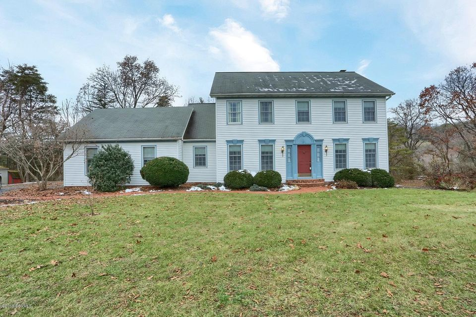 28 COLONIAL Drive, Selinsgrove, PA 17870