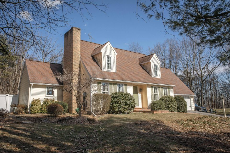 268 WOODED HEIGHTS Drive, New Columbia, PA 17856