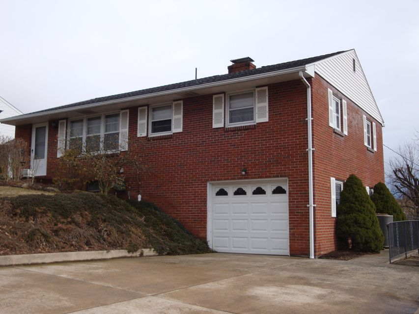 308 E 3RD Street, Watsontown, PA 17777