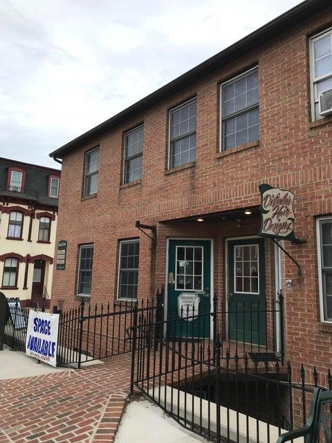 29 N MARKET Street, Selinsgrove, PA 17870