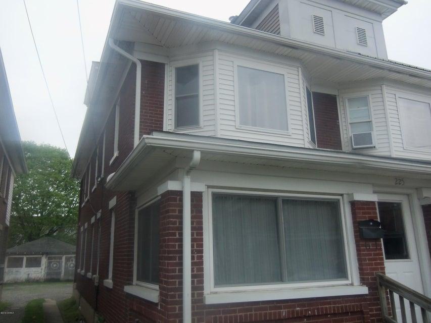 225 ORANGE Street, Selinsgrove, PA 17870