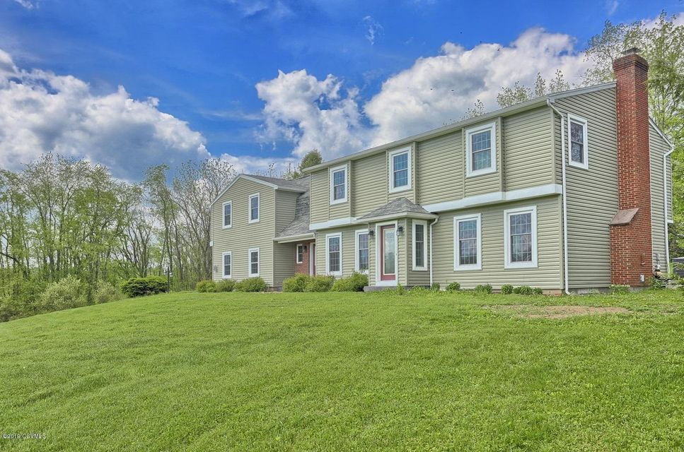 295 COUNTRY Road, Lewisburg, PA 17837