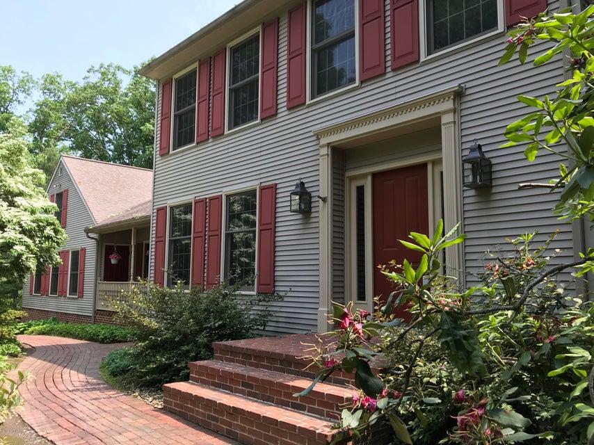 138 OAKWOOD Drive, Winfield, PA 17889