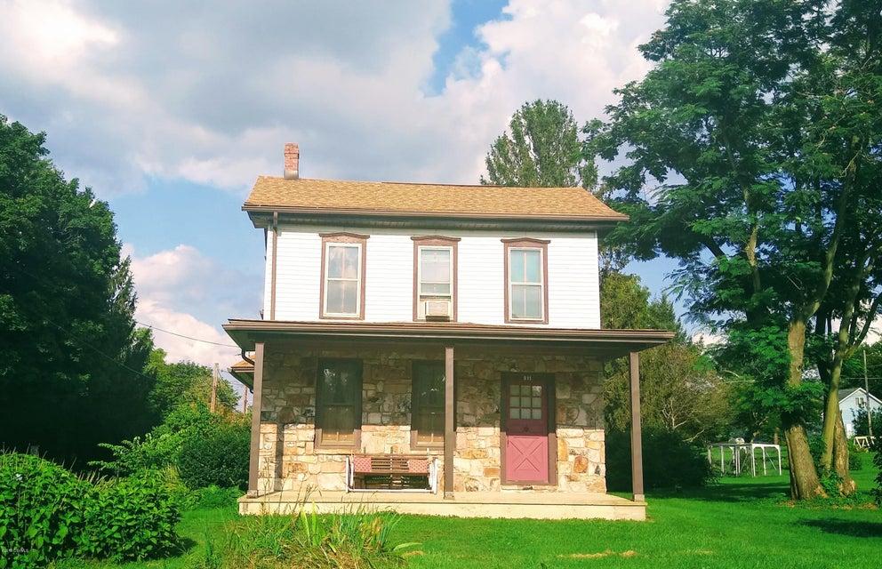 811 AVE G Avenue, Danville, PA 17821
