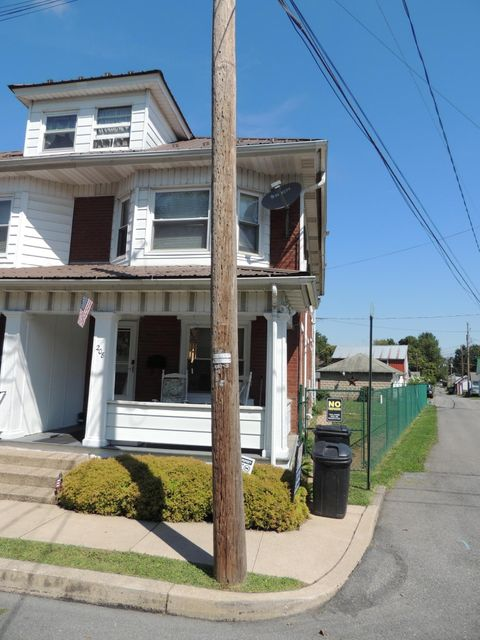 208 W SNYDER Street, Selinsgrove, PA 17870