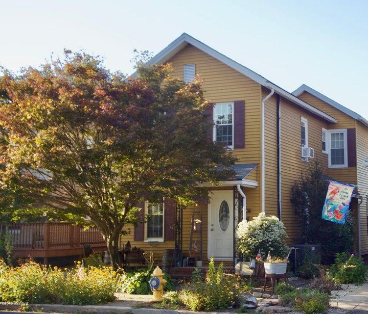 1518 W MARKET Street, Lewisburg, PA 17837