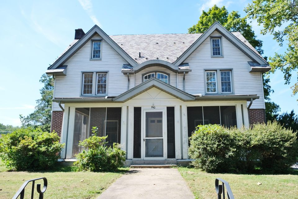 940 N FRONT Street, Milton, PA 17847