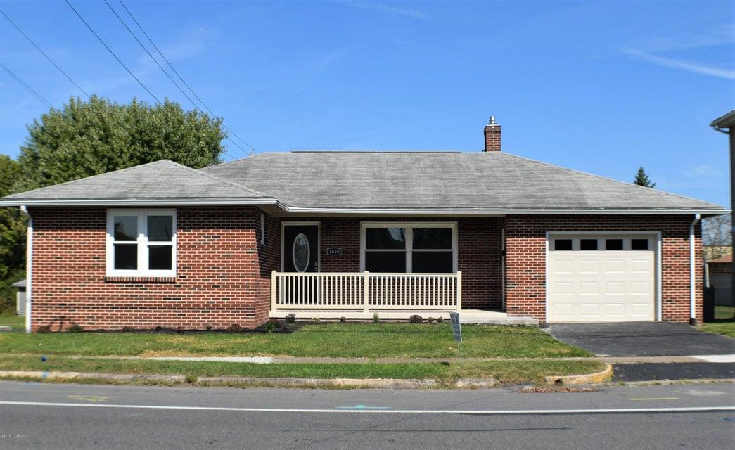 1830 W MARKET Street, Lewisburg, PA 17837