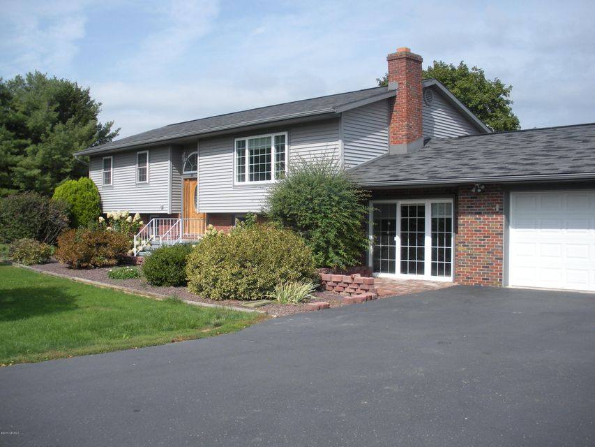 121 SCHOOL HOUSE Lane, Turbotville, PA 17772