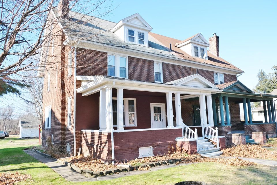 844 N FRONT Street, Milton, PA 17847