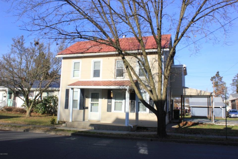 322 E PINE Street, Selinsgrove, PA 17870