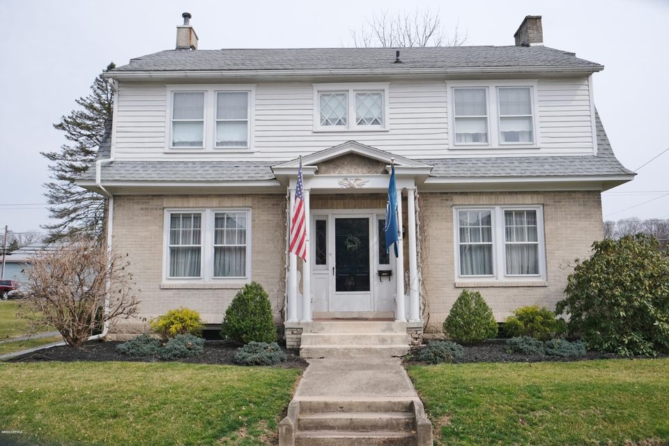 1009 N FRONT Street, Milton, PA 17847