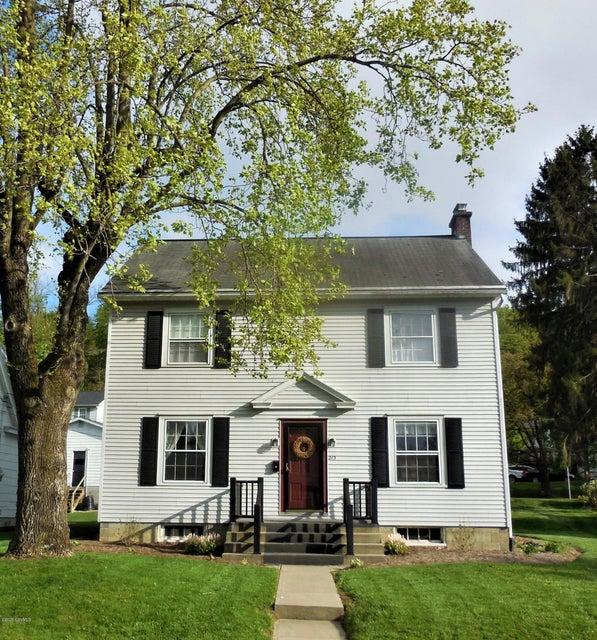 215 MAPLE Street, Mifflinburg, PA 17844