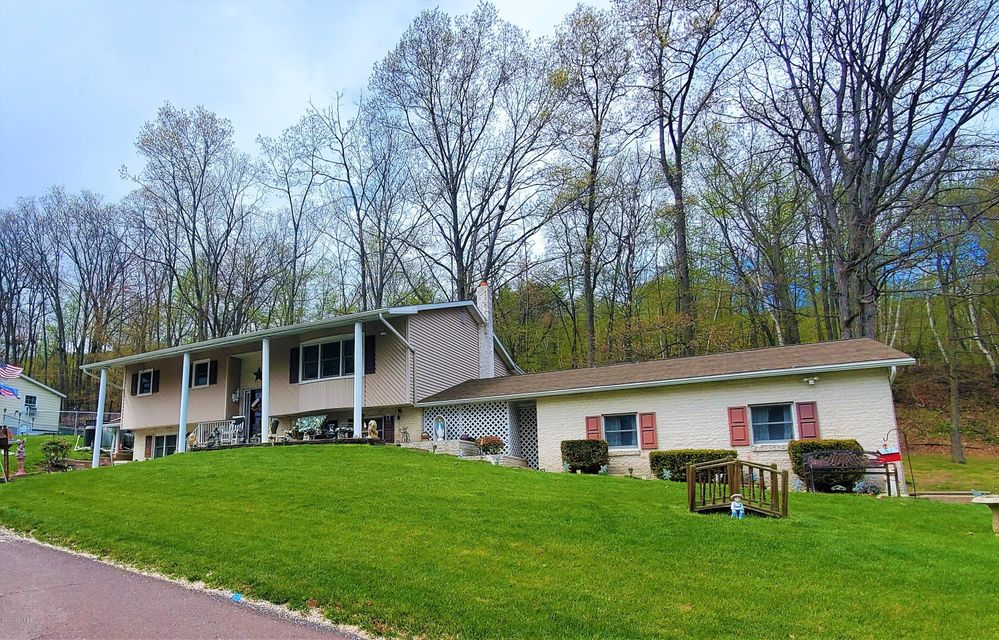 2105 W INDEPENDENCE Street, Coal Township, PA 17866