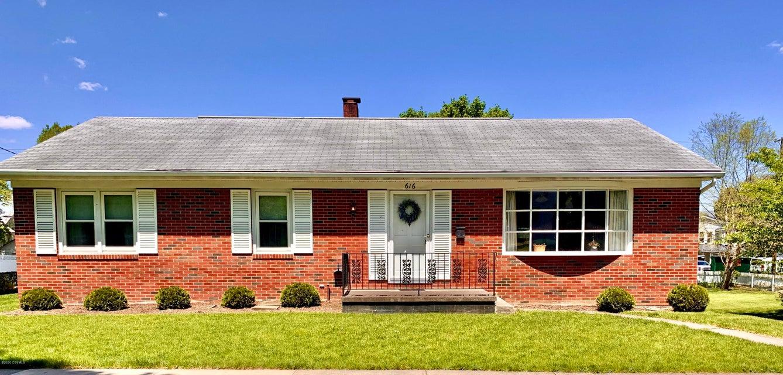 616 MARKET Street, Mifflinburg, PA 17844