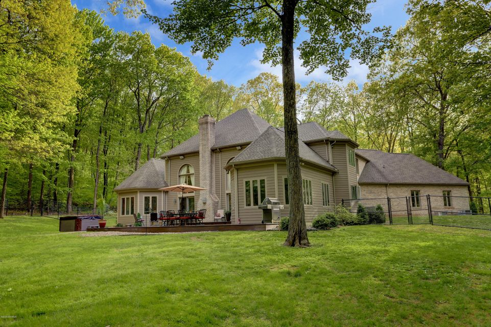 331 DEER RUN Drive, Lewisburg, PA 17837