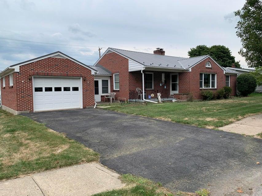 210 E MARKET Street, Mifflinburg, PA 17844
