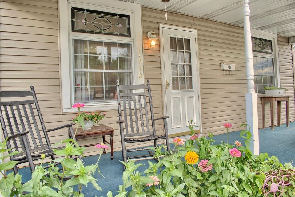 1530 W FERN Street, Coal Township, PA 17866
