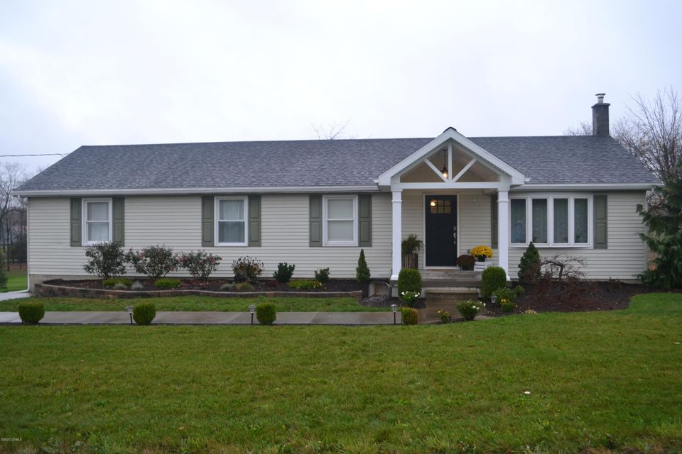 1894 MIDDLE Road, Middleburg, PA 17842