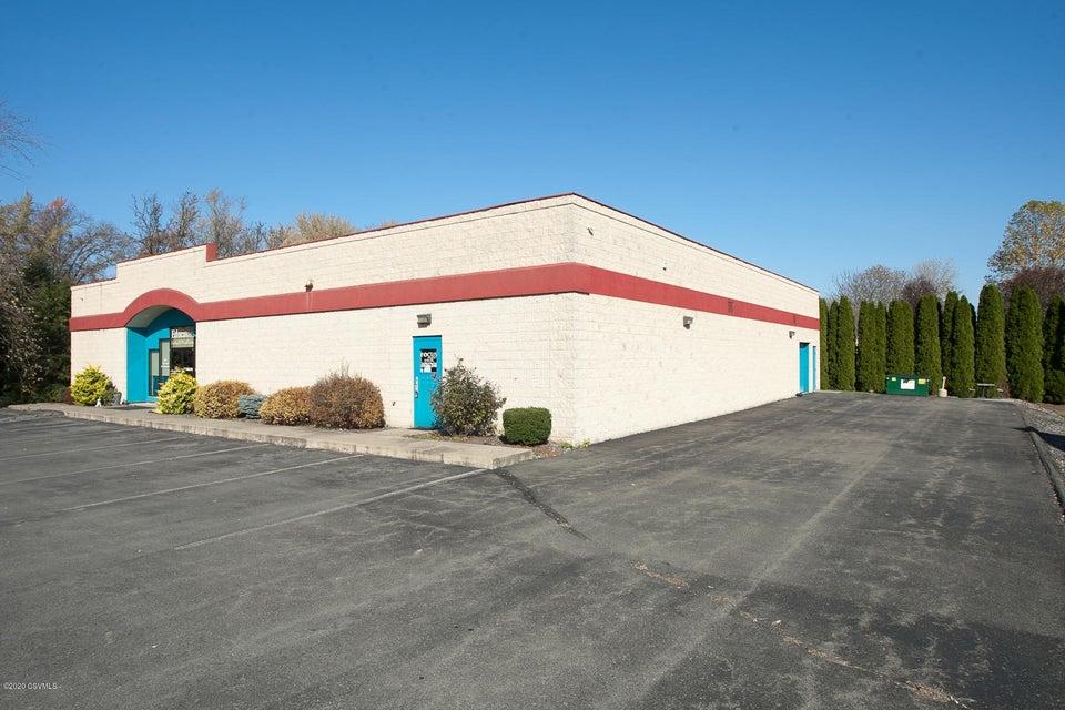 12 COMMERCE Avenue, Selinsgrove, PA 17870