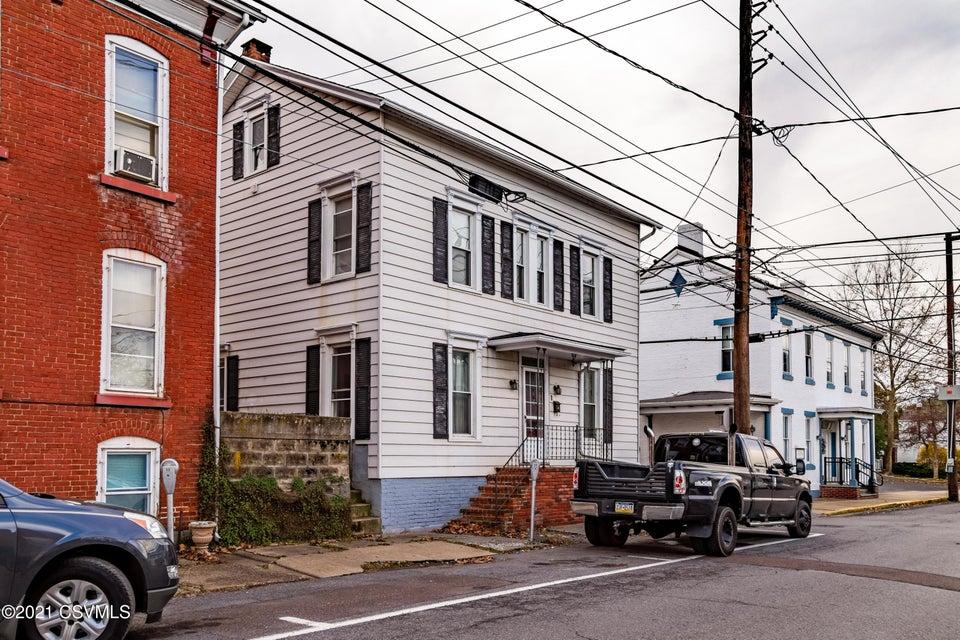 32 W MAHONING Street, Danville, PA 17821