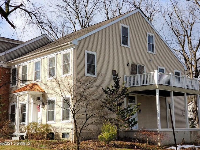 10 SAINT GEORGE Street, Lewisburg, PA 17837