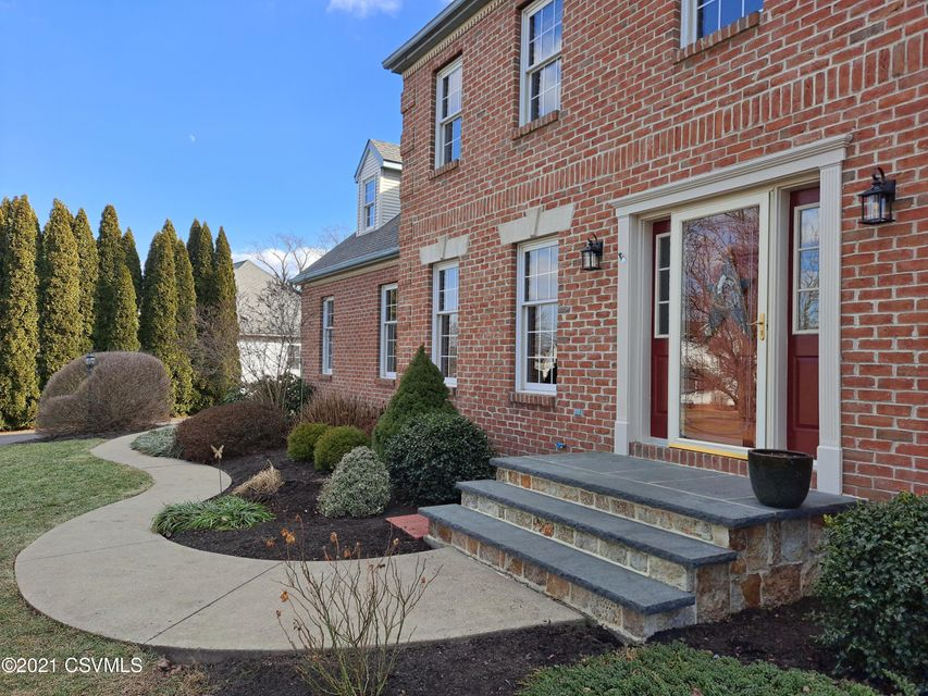 108 CAMBRIDGE Lane, Lewisburg, PA 17837