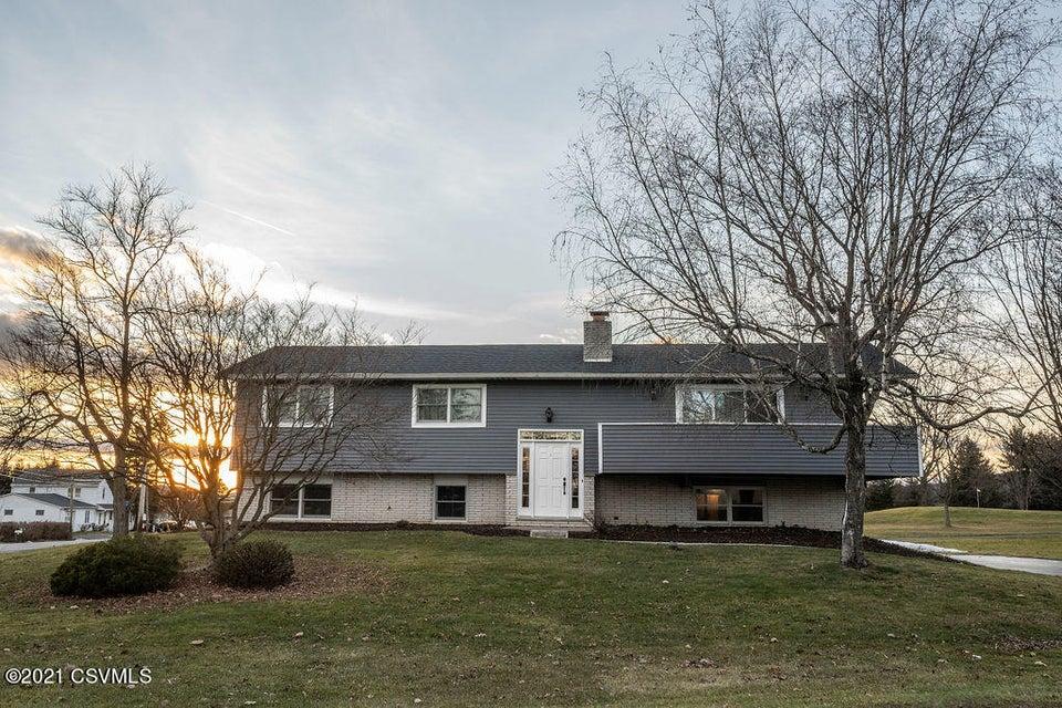 105 HEATHER HILLS Drive, Danville, PA 17821