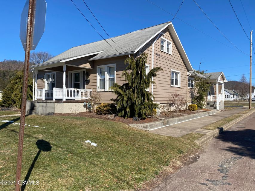 2100 HEIGHTS Road, Berwick, PA 18603