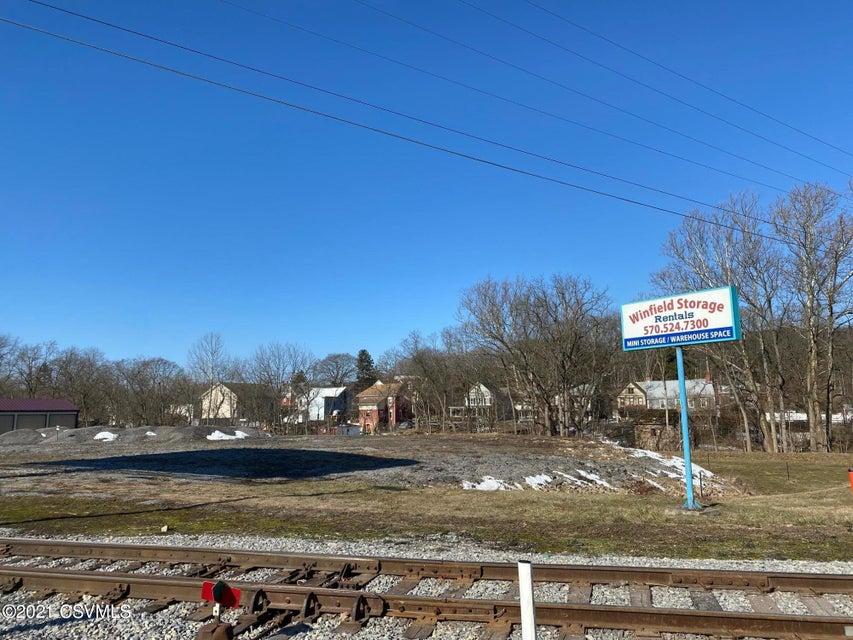 28 AGWAY Lane, Winfield, PA 17889