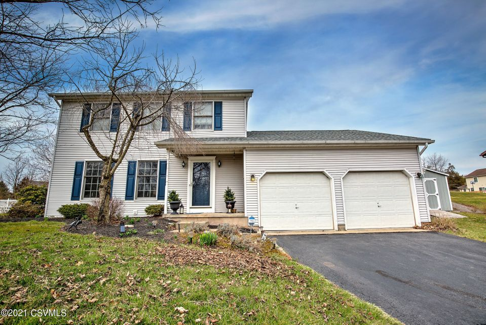 402 BEAGLE CLUB Road, Lewisburg, PA 17837