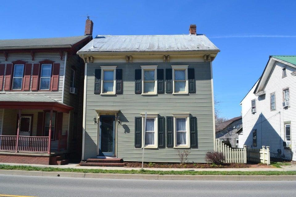 526 CHESTNUT Street, Mifflinburg, PA 17844