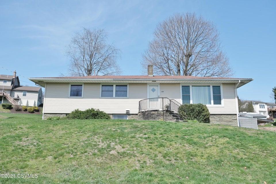977 SUNSET Drive, Milton, PA 17847