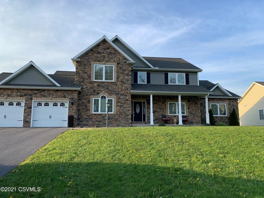 260 SUNNYSIDE Drive, Lewisburg, PA 17837