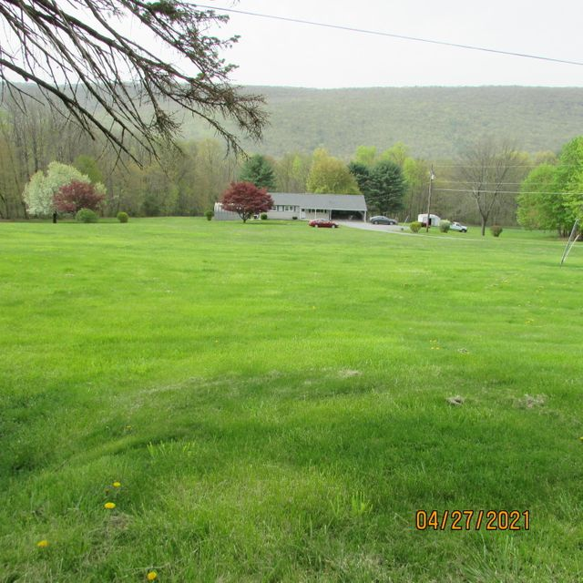 1718 UPPER Road, Shamokin, PA 17872